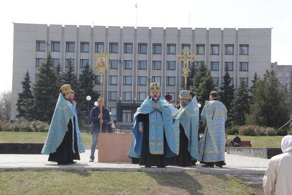 В Алчевске прошёл благодарственный молебен