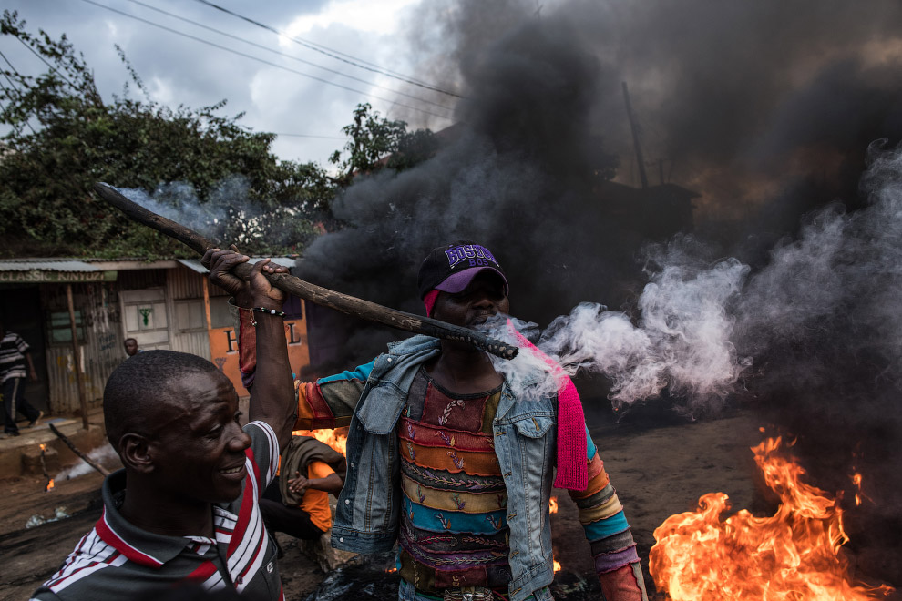 3. Полицейский, Найроби, Кения 26 октября 2017. (Фото Thomas Mukoya):