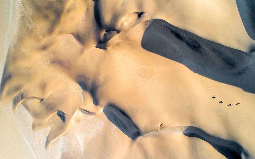 Пустыня Намиб. Автор фото: LukeMaximoBell.