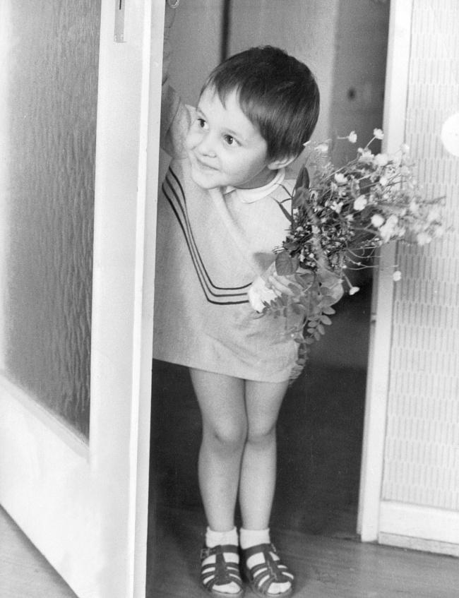 © eastnews     День матери, 1966.    15. Каждый подарок был сделан своими рук