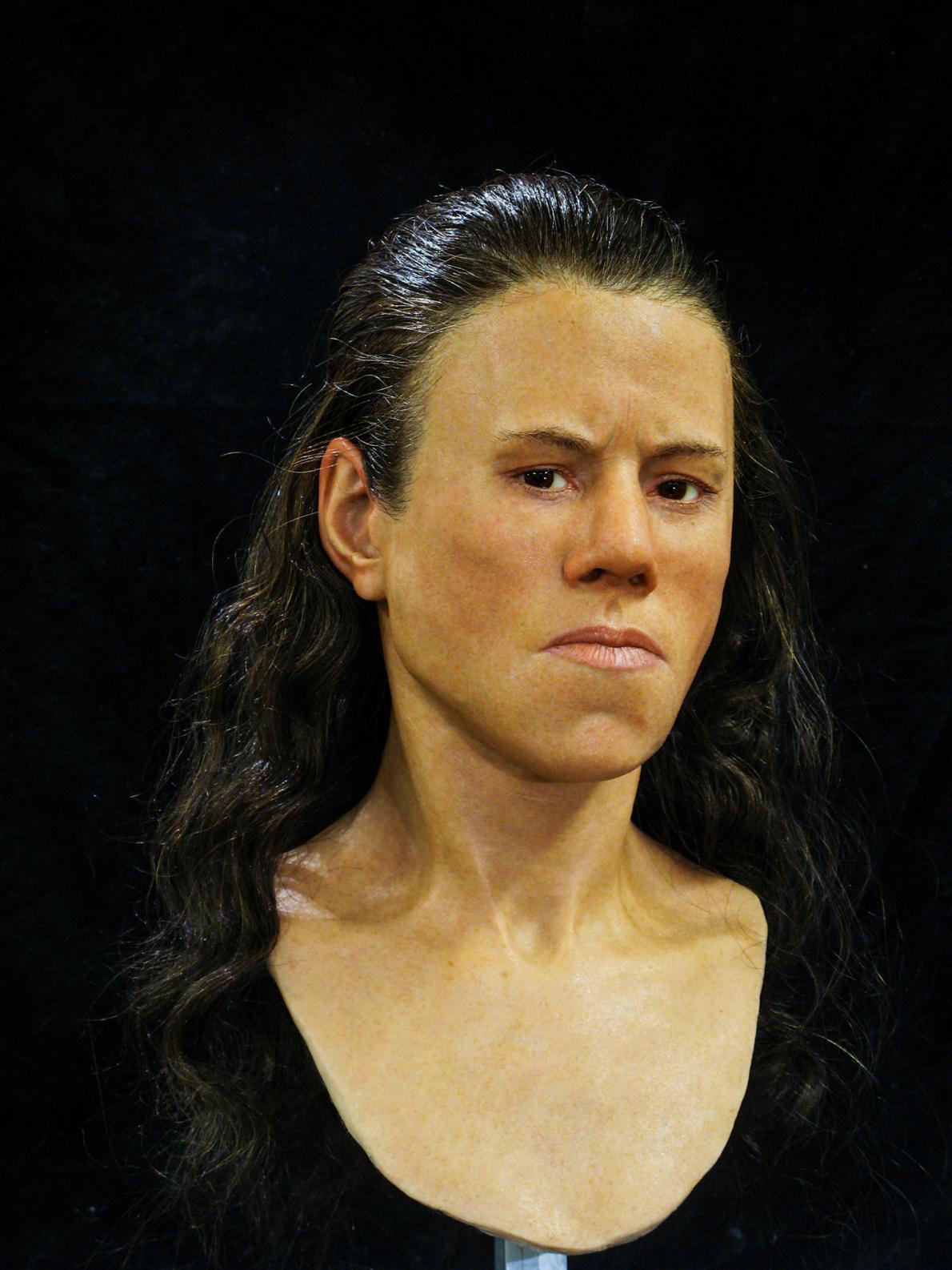 Ученые воссоздали лицо юной гречанки, которая жила 9 тысяч лет тому назад (2 фото)