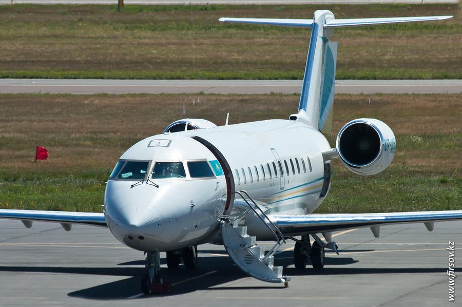 Bombardier_CL-600_Challenger_850_UP-C8501_Khozu-Avia_2_TSE.JPG