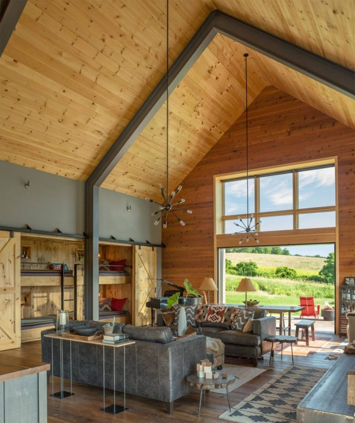 Modern Barn by Joan Heaton Architects