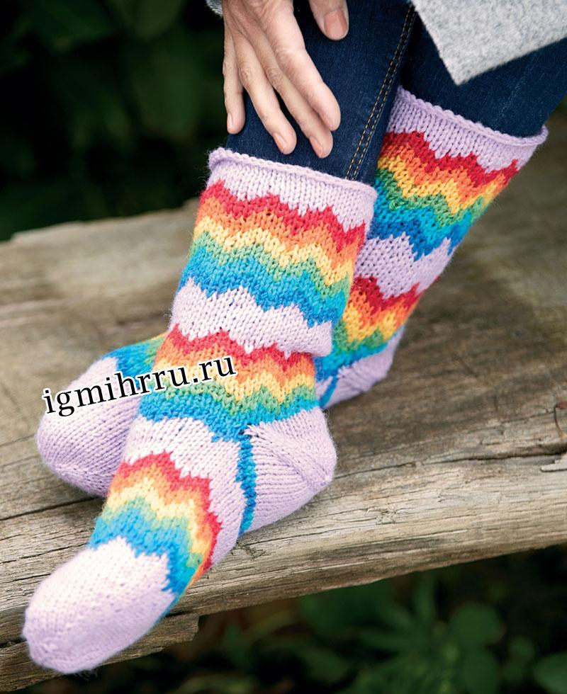 Шерстяные носки с зигзагообразным узором. Вязание спицами