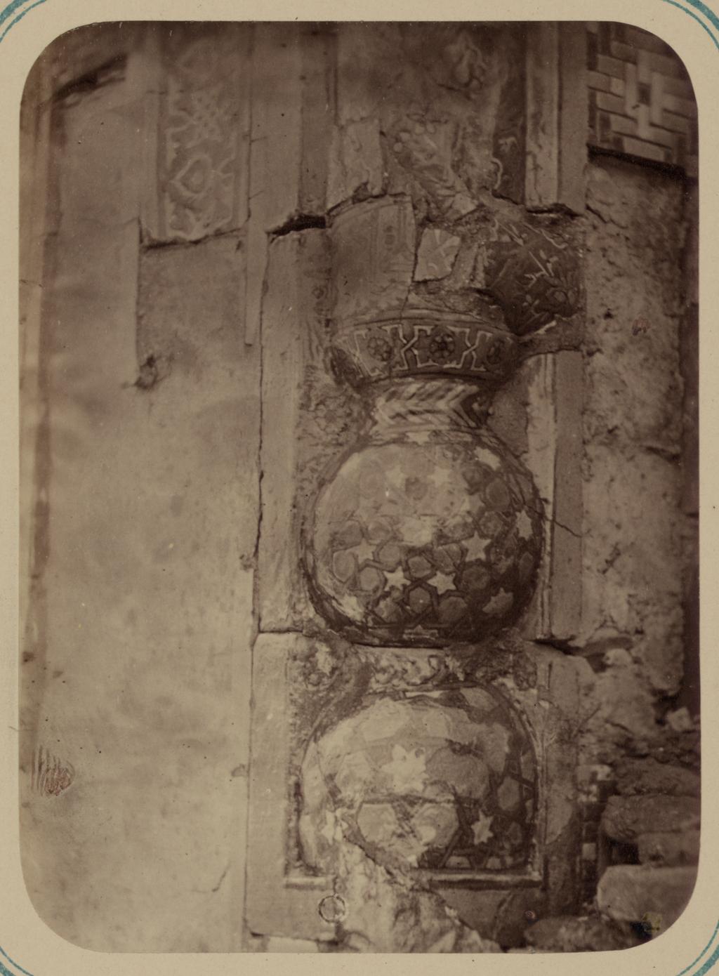 Мавзолей эмира Абу-Тенги. Основание колонны