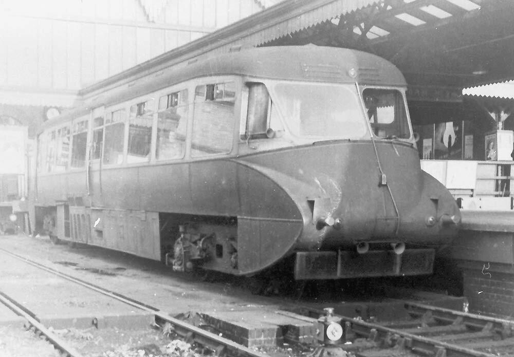 Ex-Great Western Railway Streamlined Diesel Railcar No 7 on the traverser at the end of Platform 3 at Birmingham Moor Street Station on Saturday 23rd September 1950.jpg