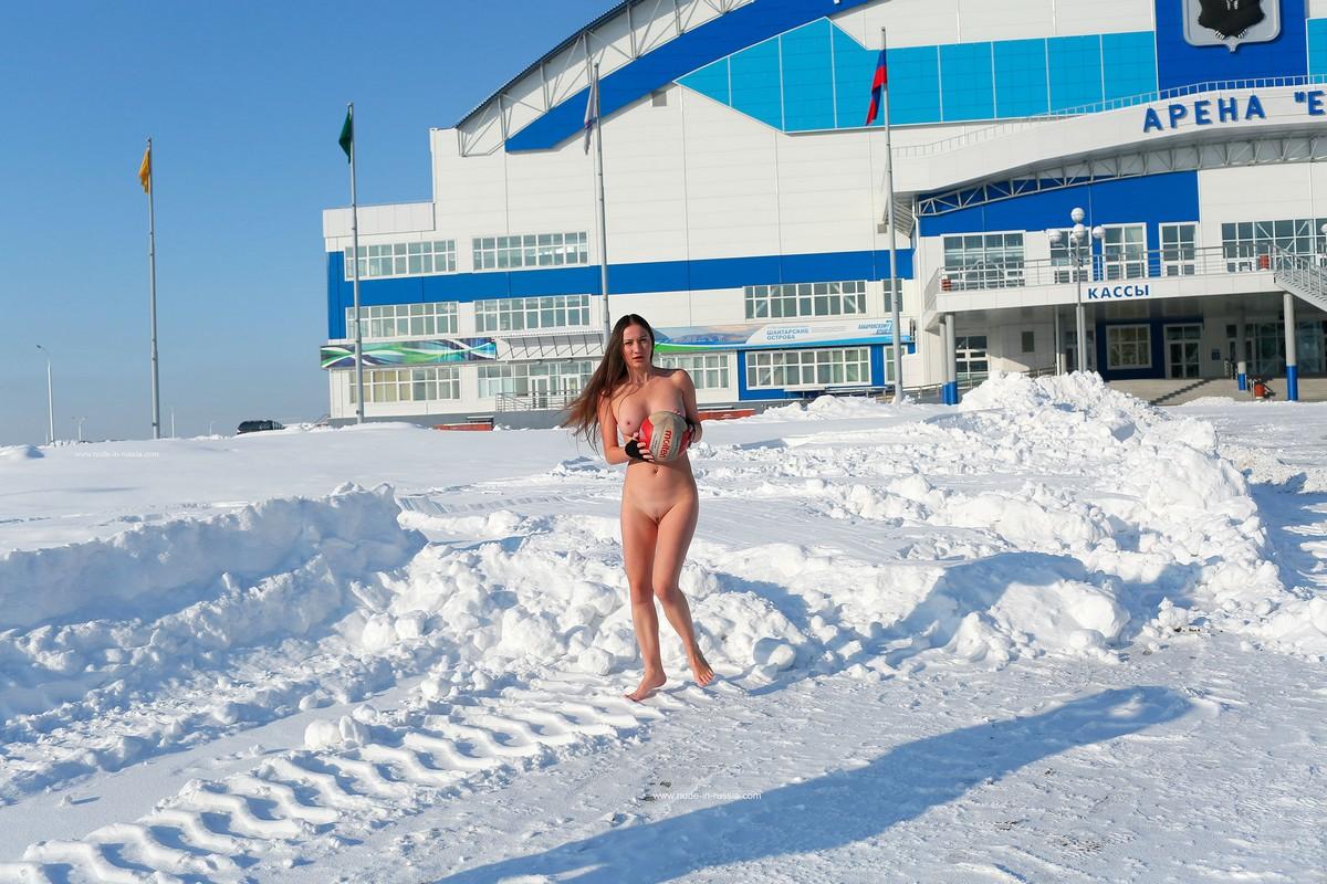 golie-v-habarovske