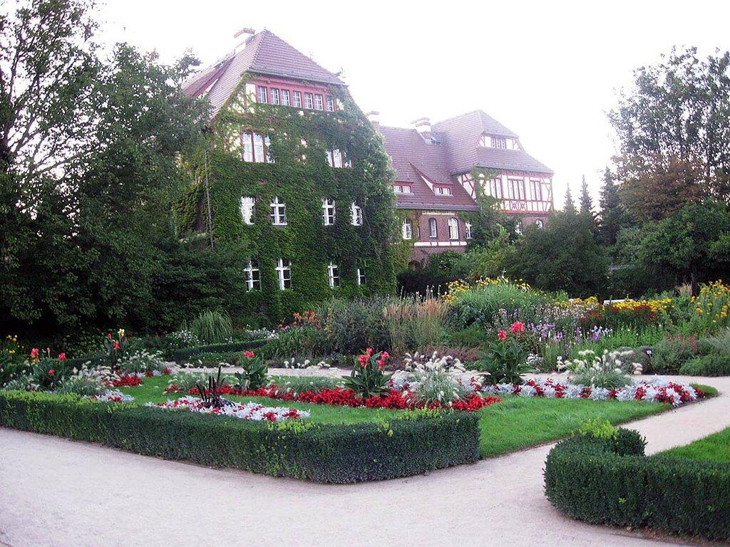 Botanischer-Garten-und-Botanisches-Museum-Berlin-Dahlem.jpg