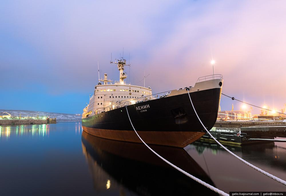 Этот ледокол, спущенный на воду 5 декабря 1957, стал первым в мире судном, оснащенным ядерной силово