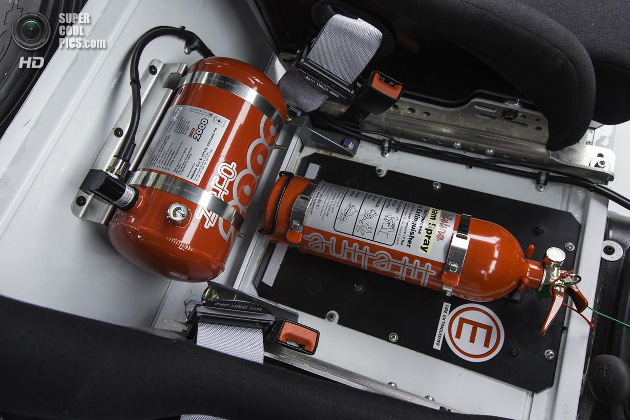 На основе Land Rover Defender появится раллийный кубок