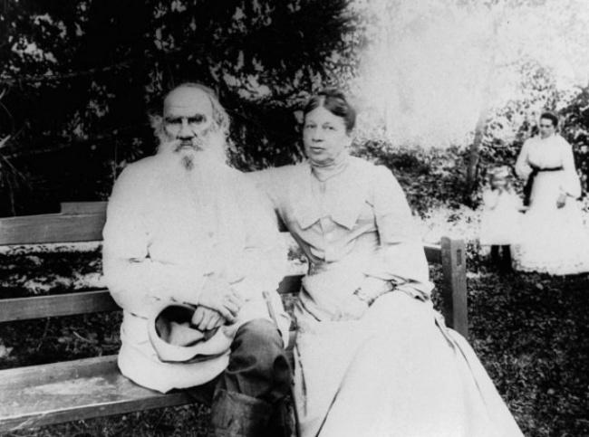 Софья Андреевна была ангелом-хранителем Толстого напротяжении 48лет. Стала для своего супруга секр