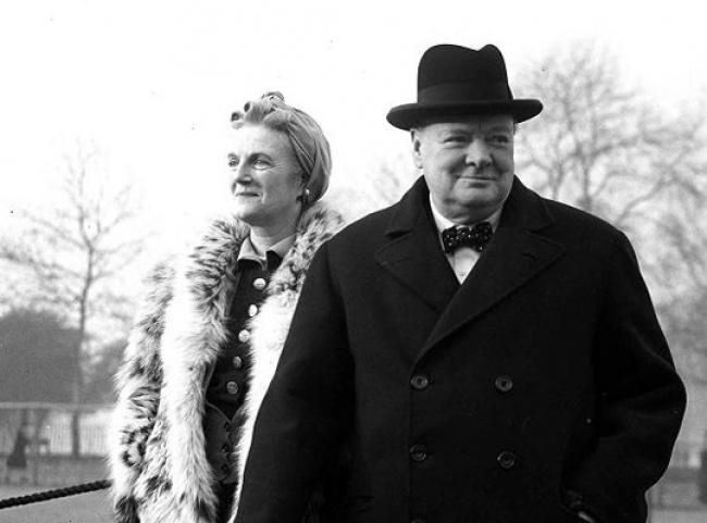 Бескомпромиссный политик Уинстон Черчилль рядом сосвоей Клементиной становился кротким иласковым ю