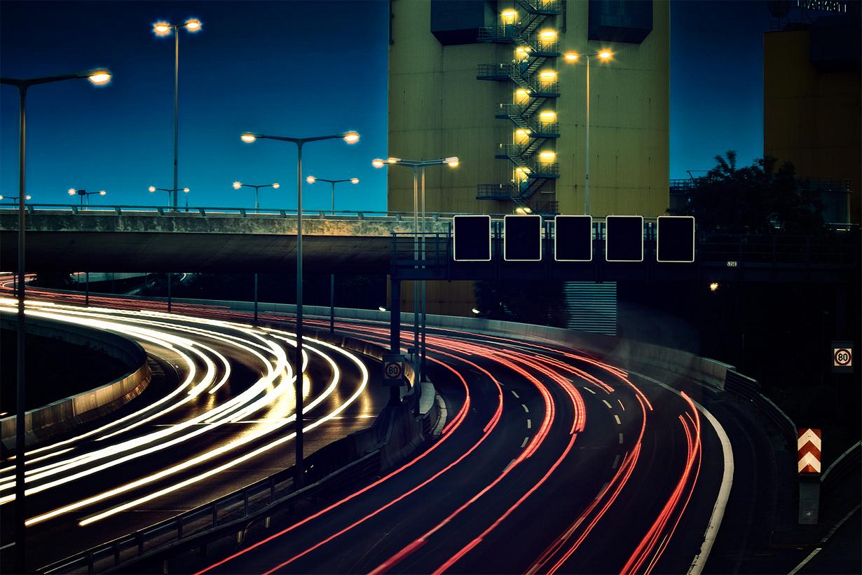 В Германии остановка на автобане по причине истощения запасов топлива является административным