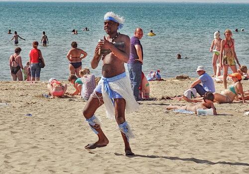Танцы на пляже