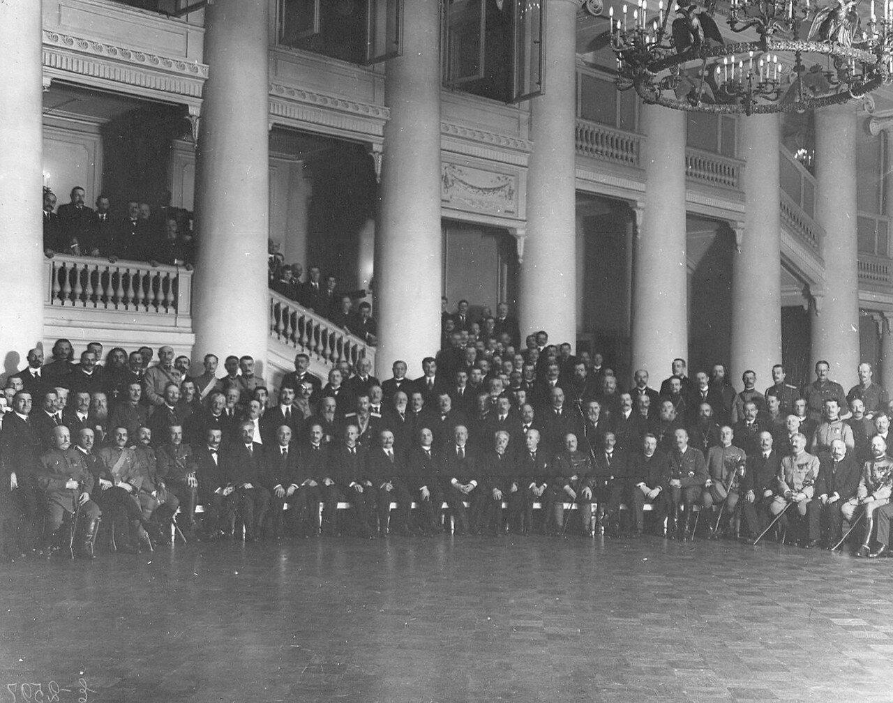 Иностранные офицеры - участники военной конференции стран Антанты с депутатами Четвертой Государственной думы в Таврическом дворце, февраль 1917