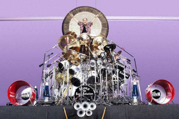 Принадлежит священнику, барабанщику и участнику группы Jesus the Soul Solution из Нью-Йорка Марку Те