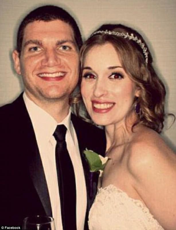 Эндрю и Нили Молдован поженились в октябре 2014 года. Чтобы запечатлеть свадебное торжество, они нан