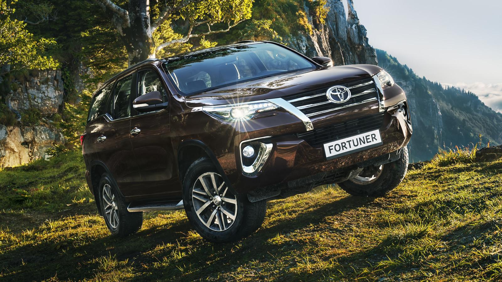 Российские дилеры Toyota начали приём заказов на Fortuner (10 фото)