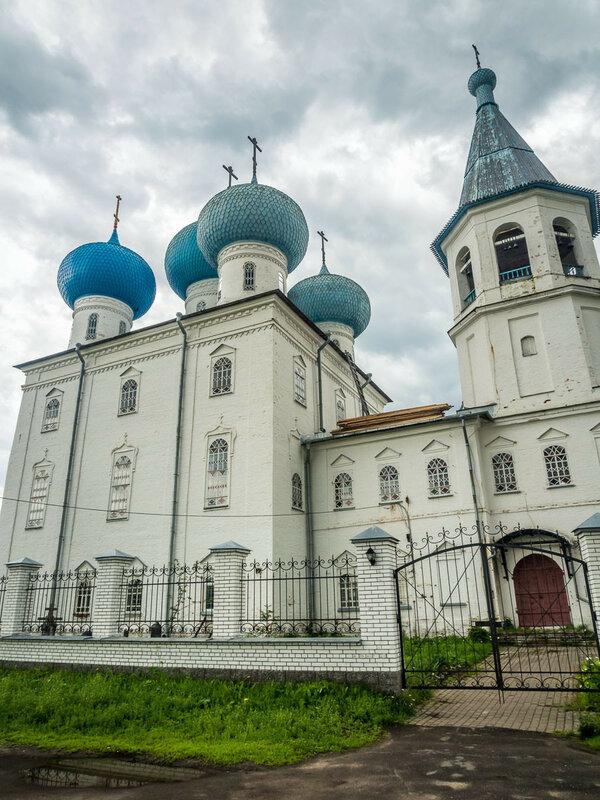 Храм Сретения Господня, строился в 1808–1878 гг.