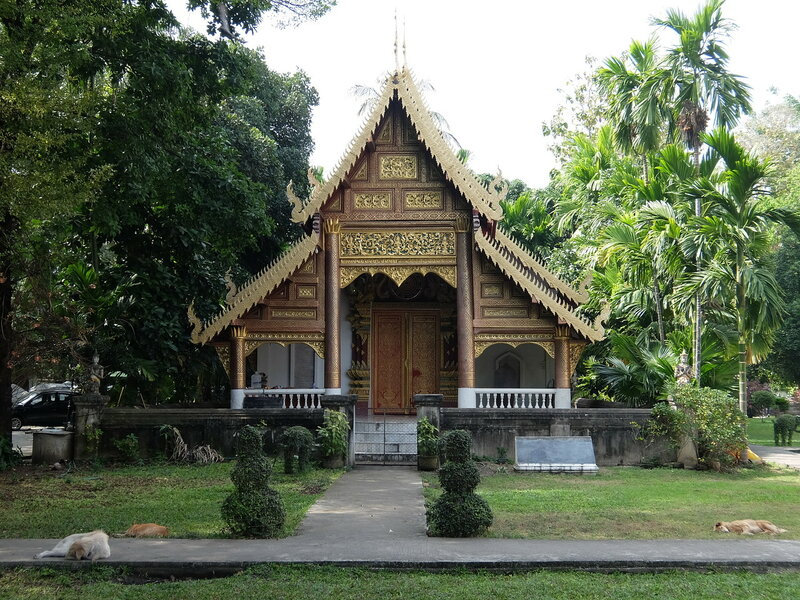 Чиангмай - Ват Чианг Ман - На территории храма