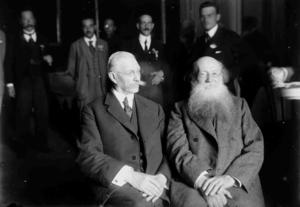 Участники Государственного совещания П. Н. Милюков и П. А. Кропоткин. Москва, 12 (25) — 15 (28) августа 1917