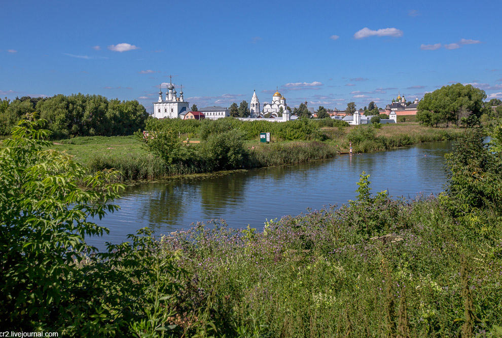 21. Далее я прошёлся вверх по реке до вида на Спасо-Евфимиевский монастырь.