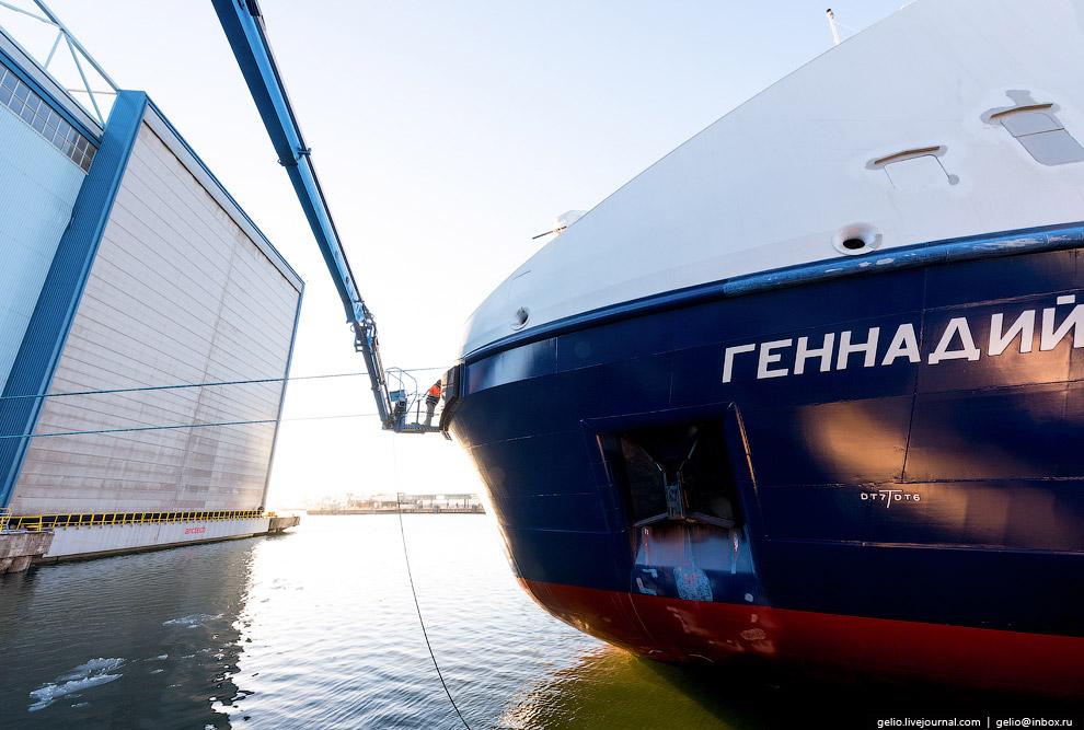 7. Основные функции судов — снабжение буровых платформ в северо-восточной части Сахалинского шельфа.