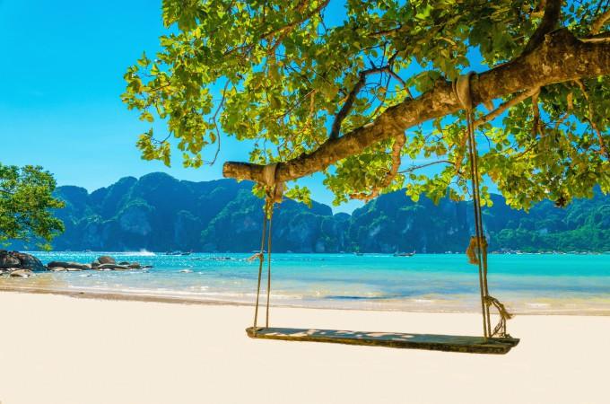 Хорватия, о. Брач, ЗлатниРат   Хорватские пляжи так же хорошо известны отдыхающ