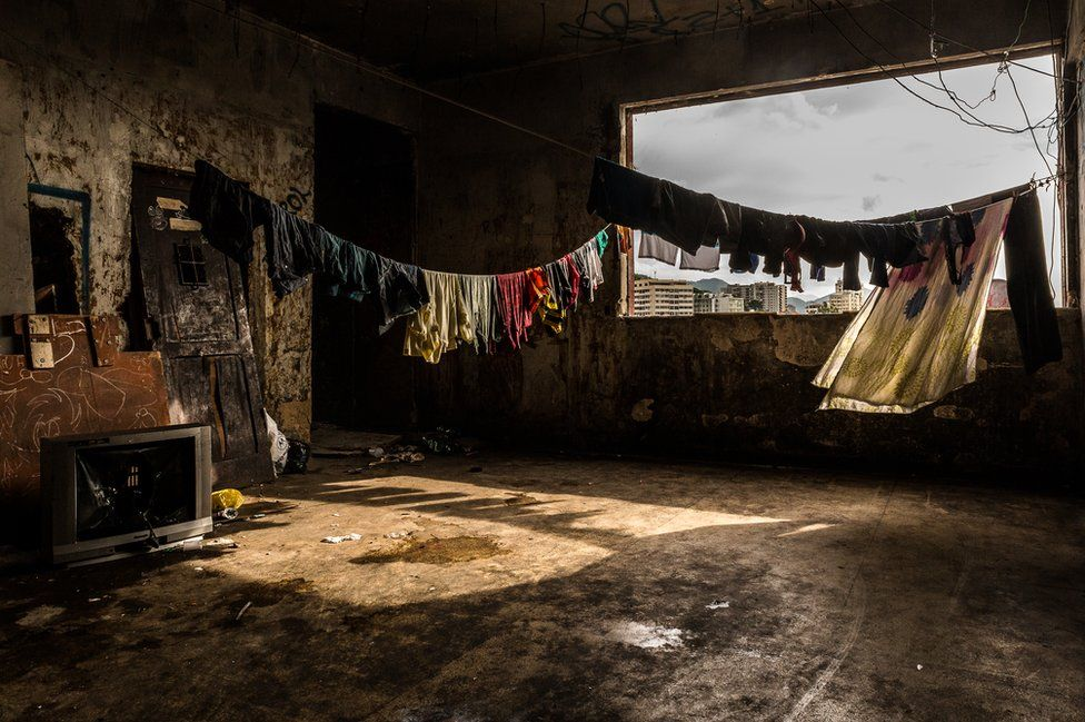 4. Около двух миллионов человек, или 30% населения Рио, живут в фавелах. (Фото Tariq Zaidi):