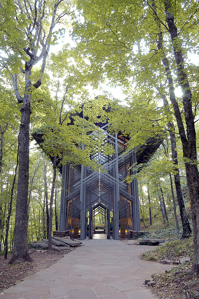 The Thorncrown Chapel, an Idyllic Glass Chapel in Rural Arkansas is Under Threat (4 pics)