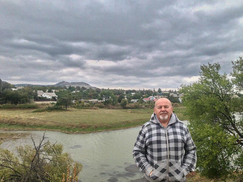 В октябрьский день у  Старокрымского водохранилища