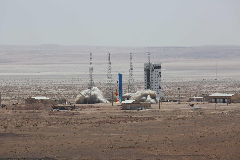 Картинки по запросу иранской ракеты-носителя «Симург»