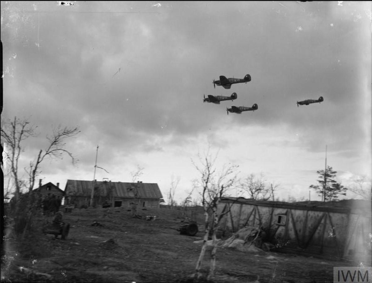 «Харрикейны» 81-ой эскадрильи RAF вернулись в Ваенгу после сопровождения советских бомбардировщиков к цели