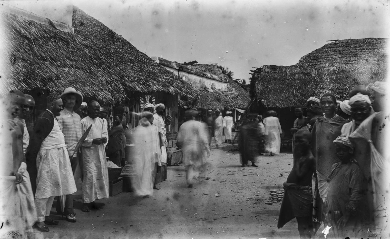 06. Уличная сцена в Багамойо