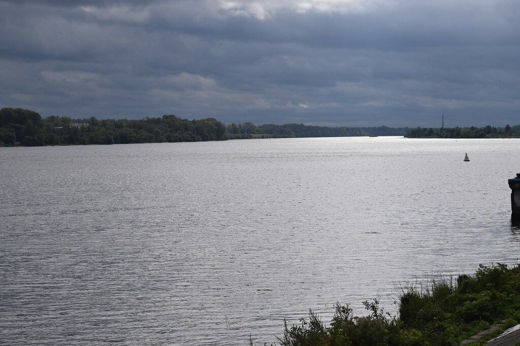 Река Волга   в городе Кимры  Тверской области....