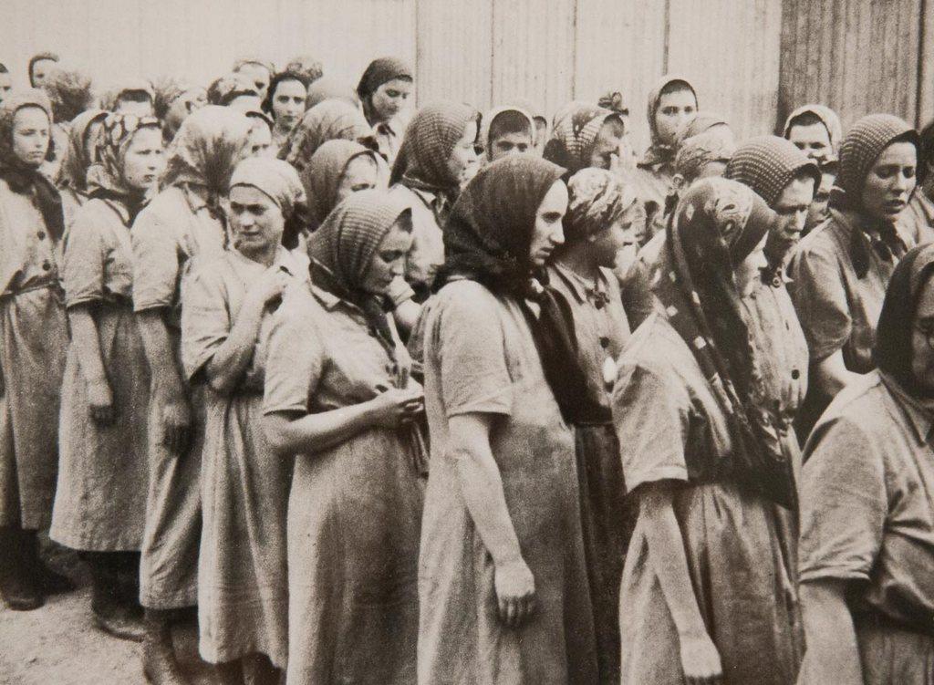 Картинки по запросу Акушерка в Освенциме. Фото