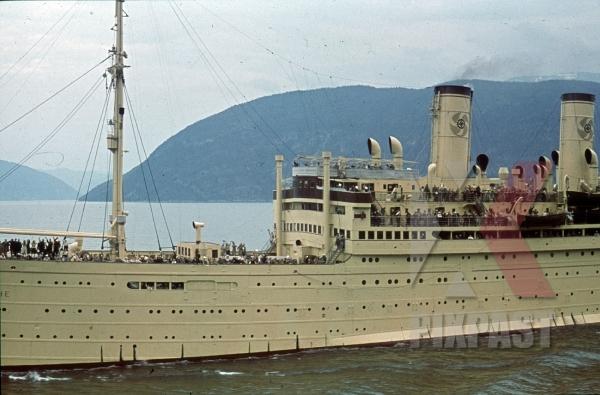 stock-photo-ww2-color-kdf-ship-der-deutsche-sailing-norwegian-fjord-1939-tourists-holiday-norway-8209.jpg
