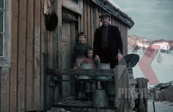 stock-photo-ww2-color-norwegian-civilian-fishing-family-children-house-occupied-norway-1940-7992.jpg