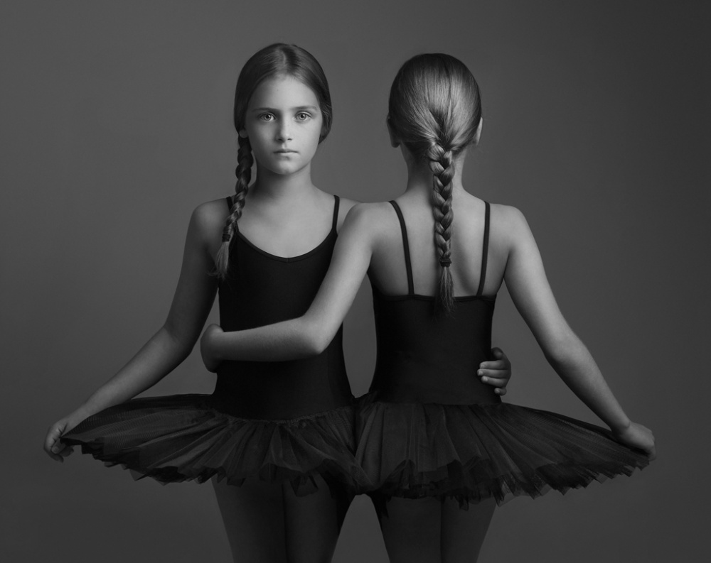 © Lisa Visser Fine Art Photography  Между черным ибелым