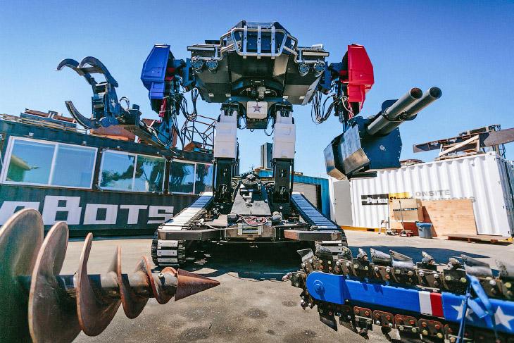 1. Готового боевого робота Eagle Primeо показали еще в мае, и с тех пор он обретал всё более ус