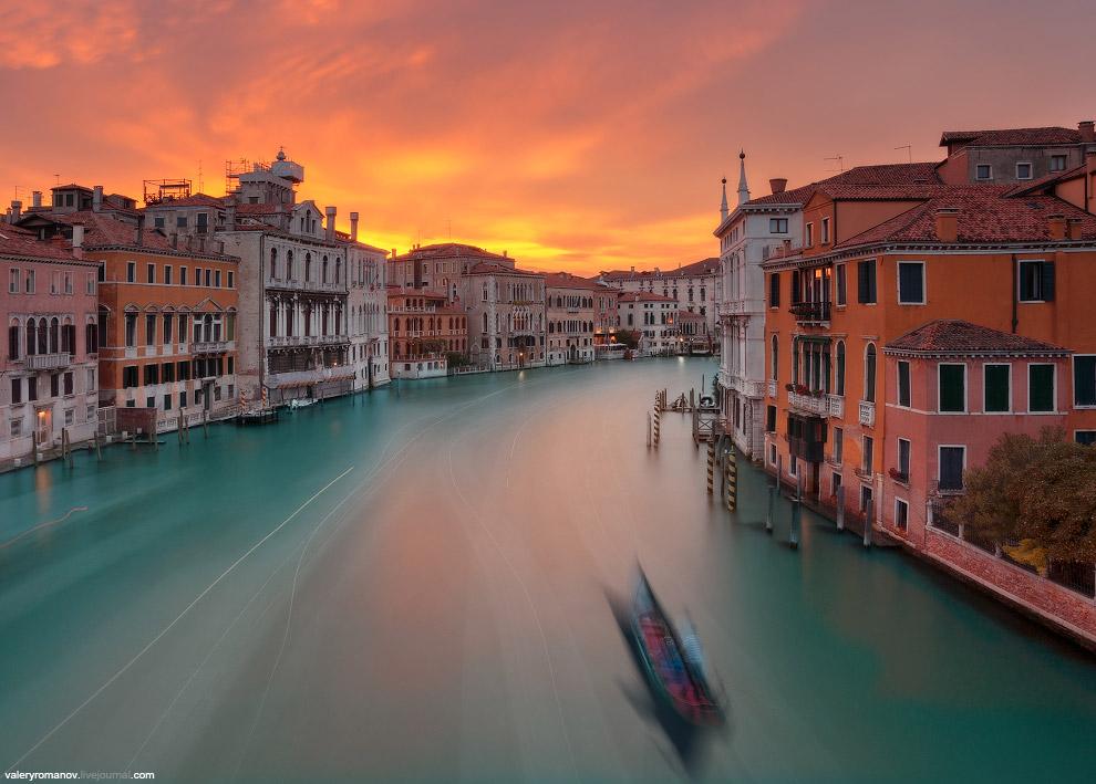 16. Вид с моста Академии на Базилику Санта-Мария делла Салюте, Венеция, Италия. Май 2014.