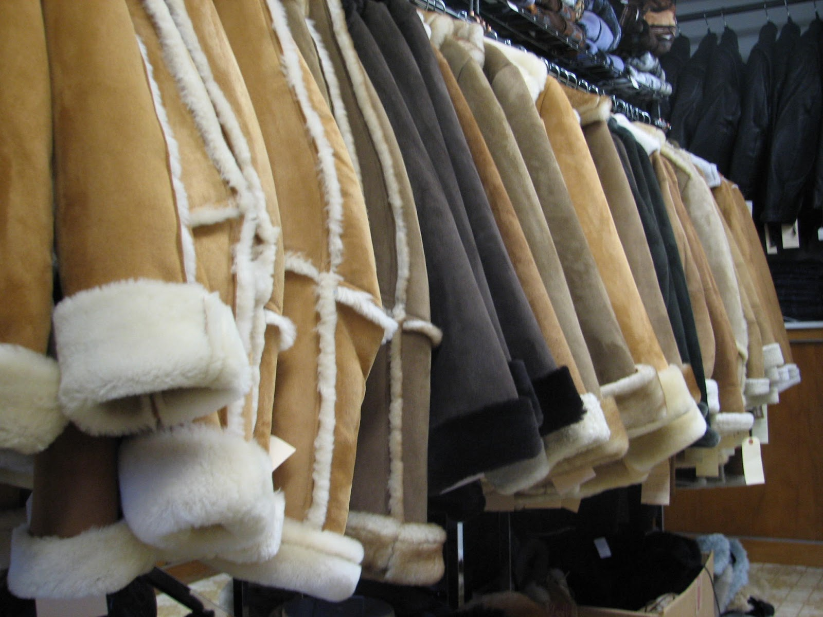 Как почистить натуральную дубленку и пальто в домашних условиях (2 фото)