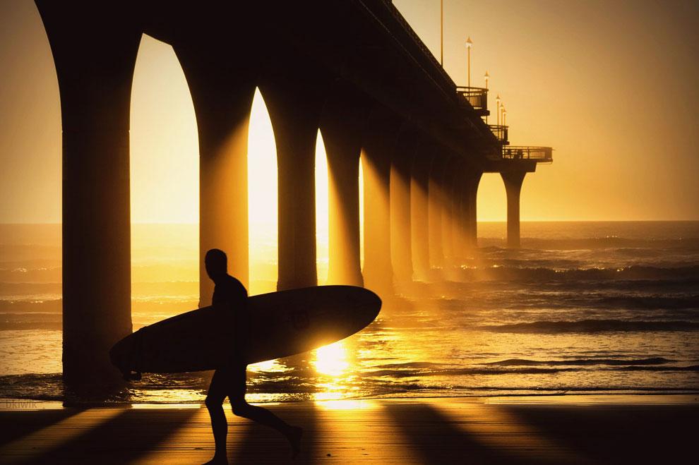 На пляже в Калифорнии, 9 июля 2012. (Фото Frederic J. Brown | AFP |Getty Images):