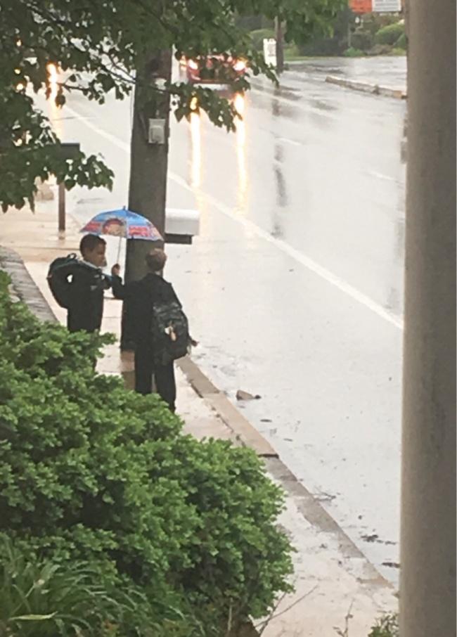 © reddit     «Мой сын спросил, можноли ему прийти сегодня наавтобусную остановку раньше