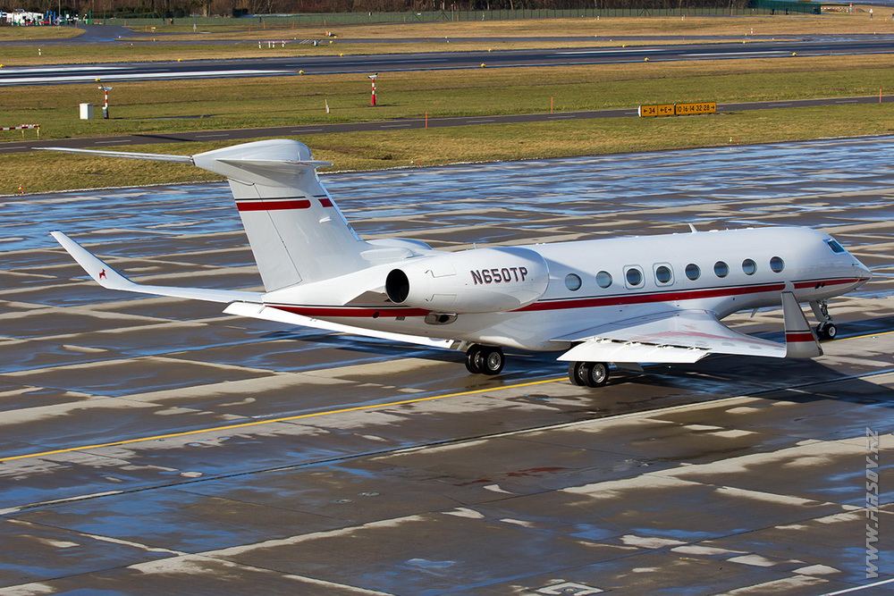 Gulfstream_G650_N650TP_Private_1_ZRH.JPG