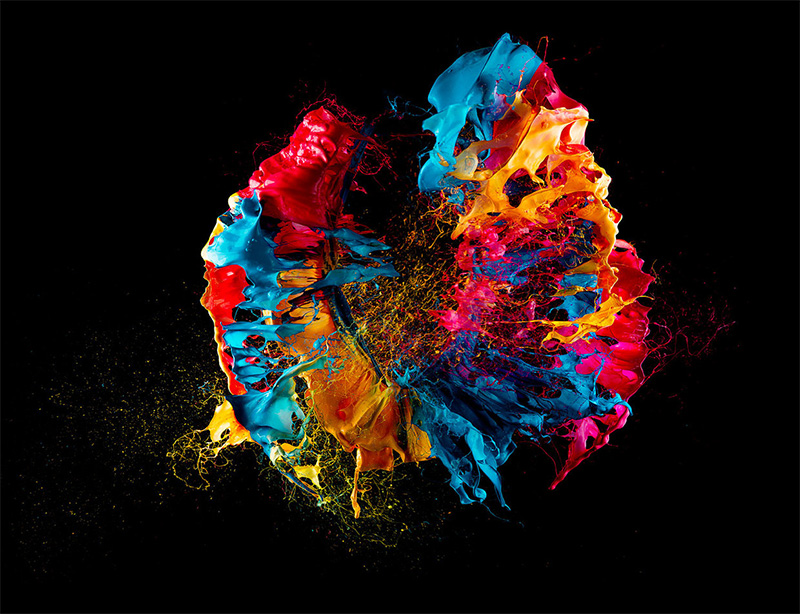 Liquid Jewels: High Speed Photos of Paint on Popped Balloons by Fabian Oefner (5 pics)