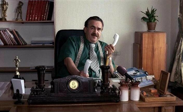 """С.Садальский - Паскаль, директор Мосфильма. """"Колхоз интертейнмент"""", 2003."""