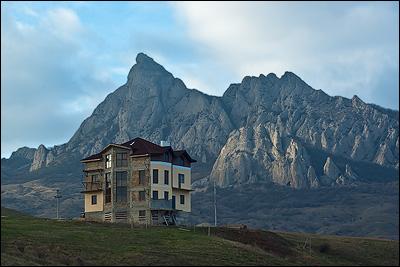 Замок на заповедном Тепсене