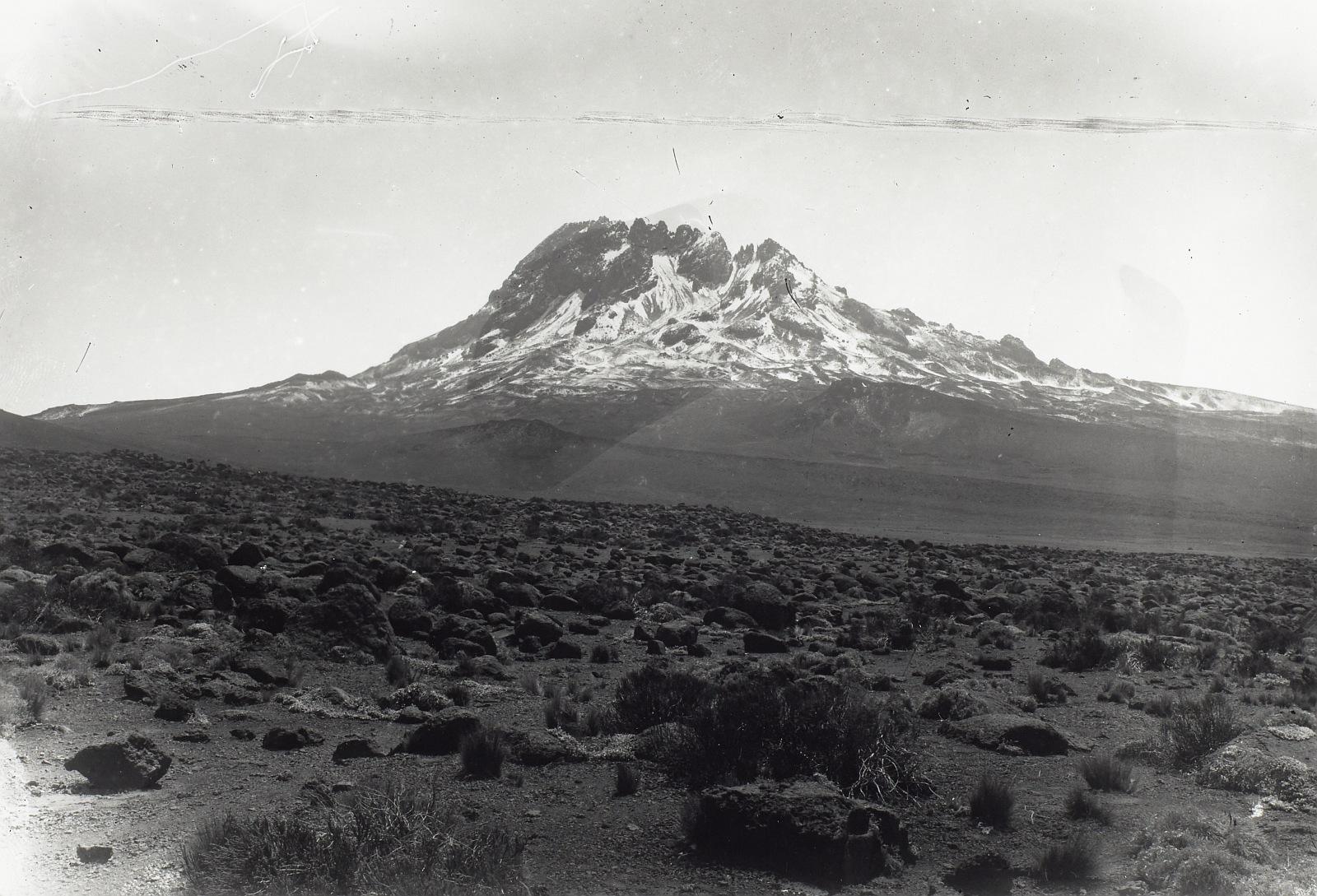 27. Килиманджаро. Мавенси со свежим снегом
