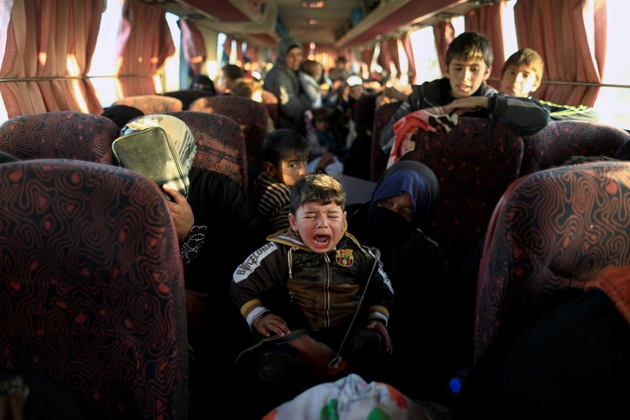 Душераздирающие фотографии, сделанные во время боёв за Мосул и Ракку